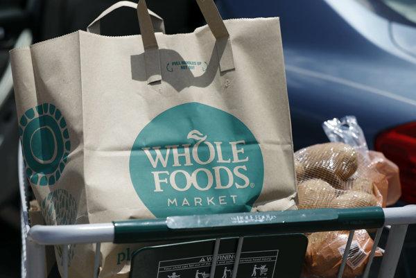 Amazon oznámil plán prevziať reťazec Whole Foods pred dvomi mesiacmi.