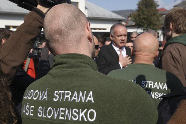 Na spojenie Kotleba - Ľudová strana Naše Slovensko sa už vzťahuje ochranná známka. Na tričko si ho tak nemôže dať ktokoľvek.
