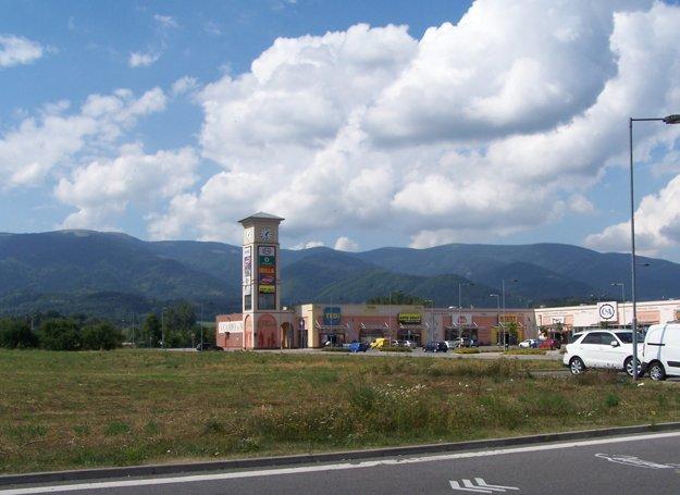 Približne v tomto priestore za Campo di Martin bude nová železničná zastávka a terminál hromadnej dopravy.