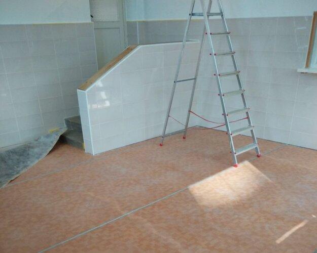 Nová PVC podlaha v jedálni.