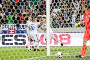 Slováci prekvapivo vedú nad Anglickom.