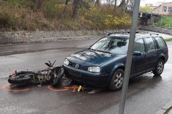 Nehoda motocyklistu v Handlovej.