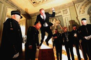 Preskok cez ošliador nie je hračka. Prezident to zvládol bez chyby.