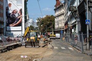 Zástavku na Špitálskej ulici má nahradiť nová zastávka tzv. viedenského typu bližšie Kamennému námestiu.