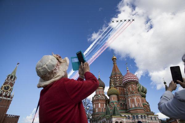Po prehliadkach v Moskve sa vojenská technika presunie do Bieloruska.