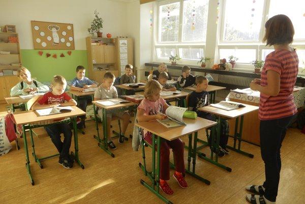 Na snímke žiaci 2. ročníka ZŠ internátnej pre žiakov s narušenou komunikačnou schopnosťou v Jamníku.