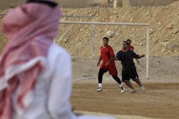 Svätenie ramadánu môže športovcom skomplikovať život.