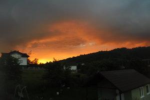 Nevšedný večerný  pohľad na Horelicu.