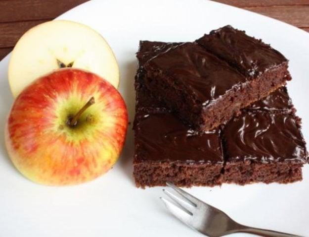 Jablkový koláč s kakaom