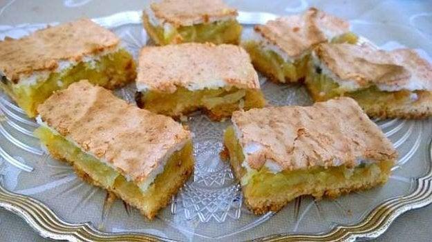 Jablkový koláč s kokosovou perinou