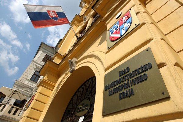 Poslancami v zastupiteľstve BBSK chú zasadnúť deviati kandidáti z okresu Žarnovica.