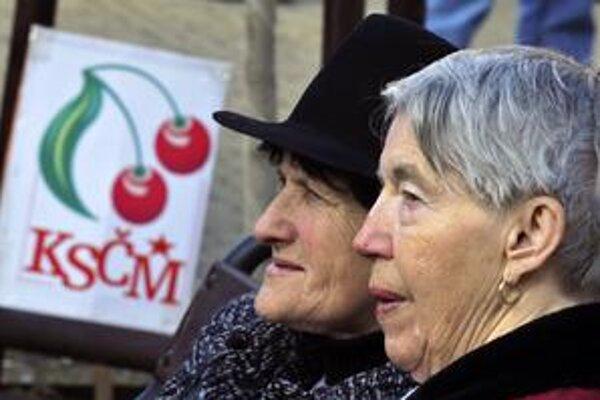 Pribúda voličov, ktorí by dali hlas českým komunistom.
