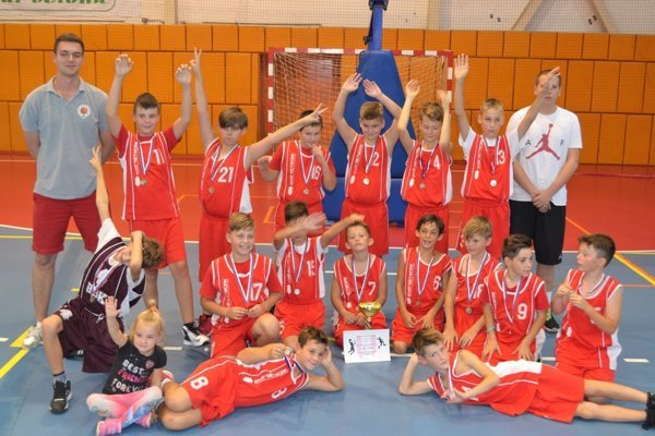 Mladí basketbalisti z Bánoviec.