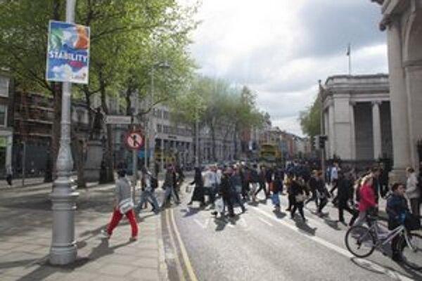 Postery v uliciach Dublinu.