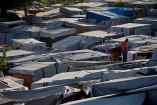 Utečenecký tábor pre ľudí, ktorí prišli o strechu nad hlavou po ničivom zemetrasení na Haiti v roku 2010.