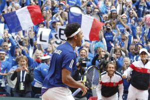 Francúzov bude hnať za trofejou veľká kulisa.