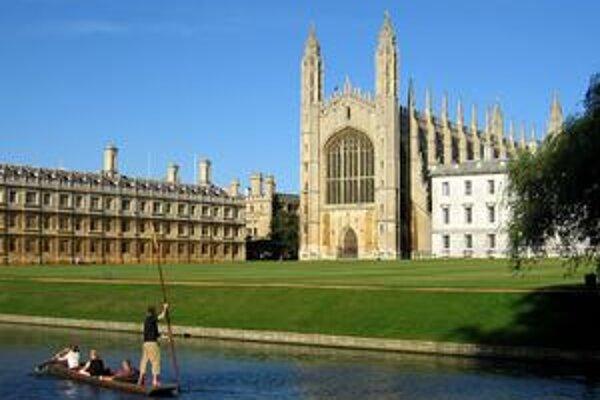 King's College je jednou z najväčších pamiatok v univerzitnom meste Cambridge.