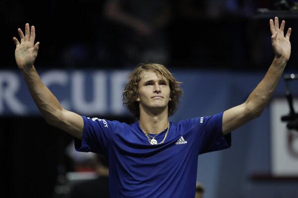 Mladý Nemec Alexander Zverev sa z turnaja odhlásil.