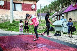 Nelegálna osada Roškovce. Len pár kilometrov od obce stále býva ďalších zhruba 500 ľudí.