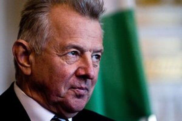 Dvojnásobný olympijský víťaz v šerme Pál Schmitt bol maďarským prezidentom necelé dva roky.