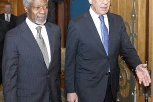 Kofi Annan a Sergej Lavrov.
