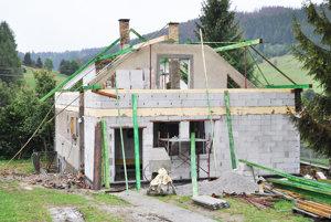 Počasie komplikuje rekonštrukciu arozšírenie materskej školy.