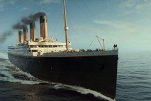 Titanic z filmu Jamesa Camerona.