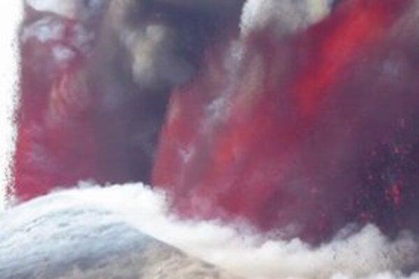 Vo štvrtok opäť ožila aj Etna.