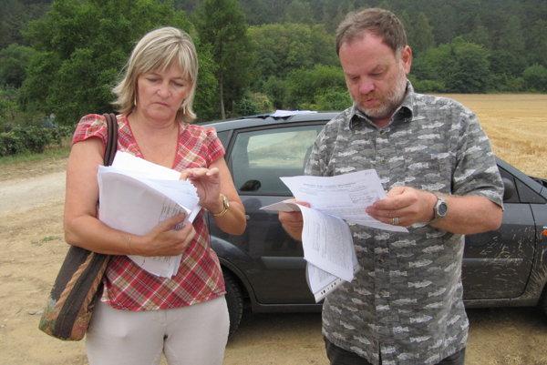 Členka petičného výboru Dana Kašparová (vľavo) vníma vznik prírodnej lokality v tomto priestore ako víťazstvo občanov.