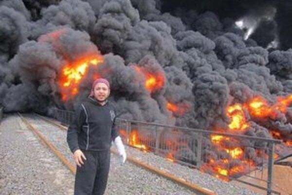Horiaci ropovod neďaleko mesta Homs.