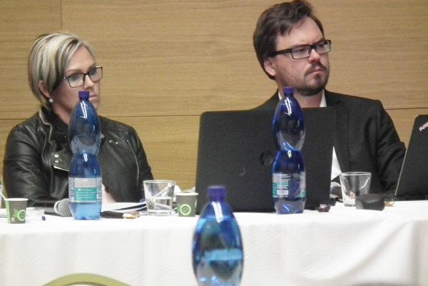 Návrh na zrušenie uznesení a vyhlásenie novej voľby predložil Radoslav Machan z mestského úradu.