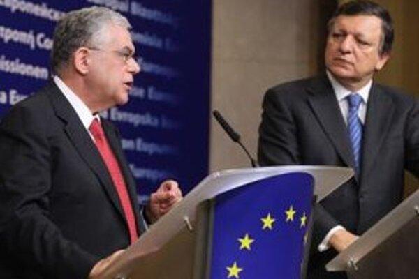 Grécky minister Loukás Papadémos a predseda Európskej komisie Manuel Barroso.