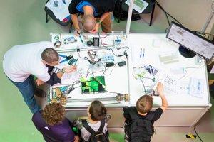 Deti si počas Noci výskumníkov mohli vyskúšať mnohé vedecké experimenty.