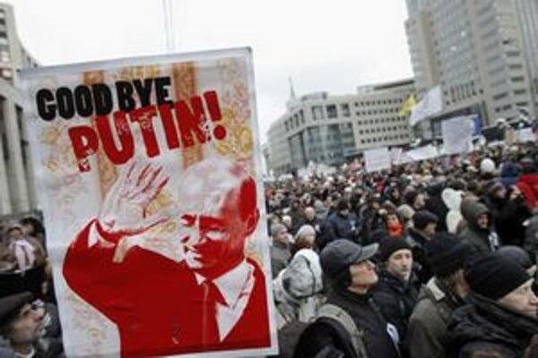 Desiatky tisíc protestujúcich požadovali odvolanie Čurova.