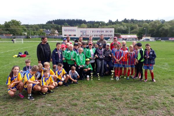 Účastníci turnaja O pohár starostu obce Selce.