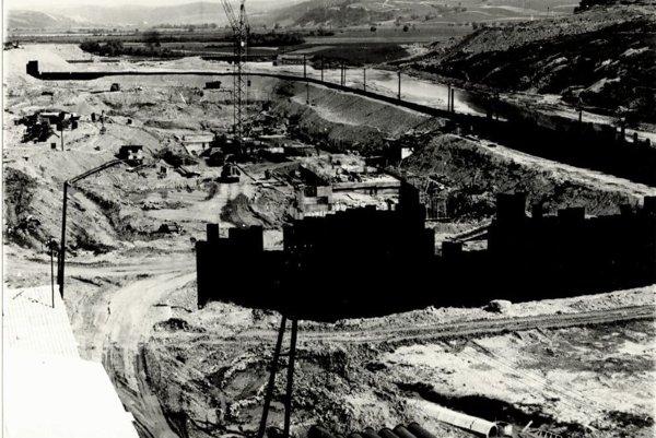 Spomienka na výstavbu. Stavebná jama vodného diela (marec 1963).