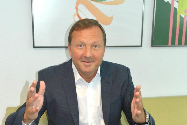 František Sabol. Šéf VÚSCH-u chce po 50-ke trochu zvoľniť a viac sa venovať rodinným aktivitám.