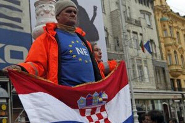 Podľa aktuálnych prieskumov je proti vstupu štvrtina Chorvátov.