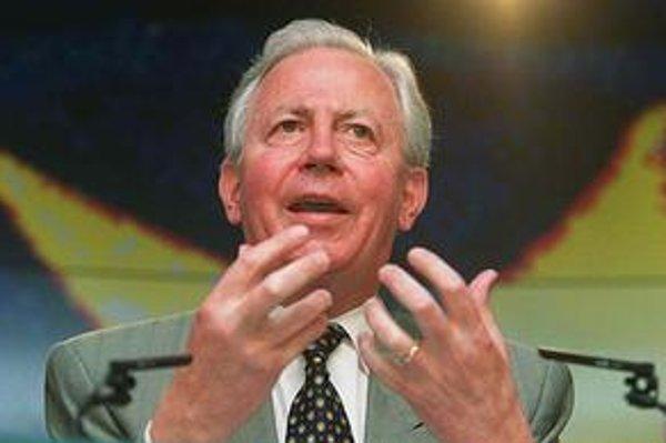 Santer bol šéfom jedinej eurokomisie v histórii, ktorá musela odstúpiť.