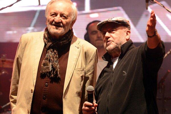 Milan Lasica a Peter Lipa sa prestavia na jednom pódiu.