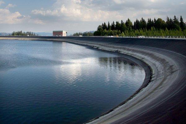 Horná nádrž vodnej elektrárne Čierny Váh.