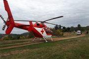 Pomáhali mu leteckí záchranári.