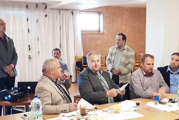 Všeobecní lekári priblížili svoje problémy hornooravským starostom.