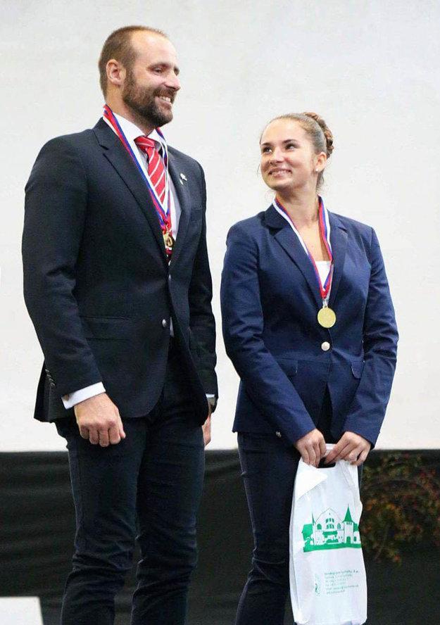 Kristína Hajduová s lonžérom Martinom Vaváčkom.