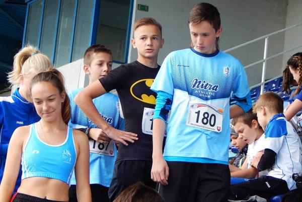 Z Nitry sa na šampionát prebojovali obe družstvá AC Stavbár. Medailu nevybojovali, chýbala im väčšia kvantita pretekárov.