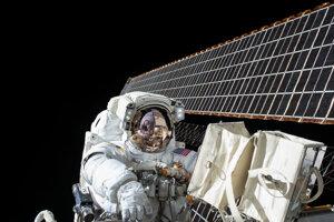 Astronaut Scott Kelly v otvorenom vesmíre.