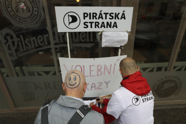 V Česku môžu Piráti získať aj 10 percent hlasov, naznačuje prieskum.