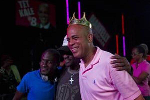 Zabávača Michela Martellyho podporili hlavne mladí. Vidia v ňom nádej na zmenu.