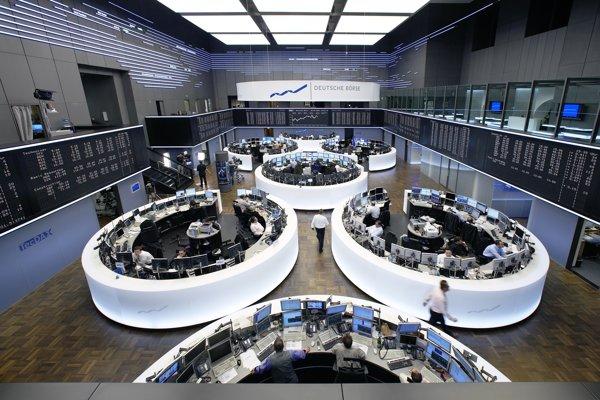 """Burza vo Frankfurte. Thomas mal cez ňu """"oskalpovať"""" akcionárov o milióny."""