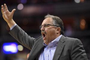 Tréner klubu NBA Detroit Pistons Stan van Gundy podporil protestné hnutie proti rasizmu a policajnej brutalite voči menšinám v USA.